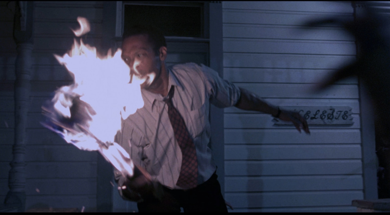 Tony Todd in Night of the Living Dead (1990) 3